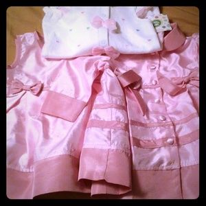 2/3 little girls dresses. Great Buy!!!